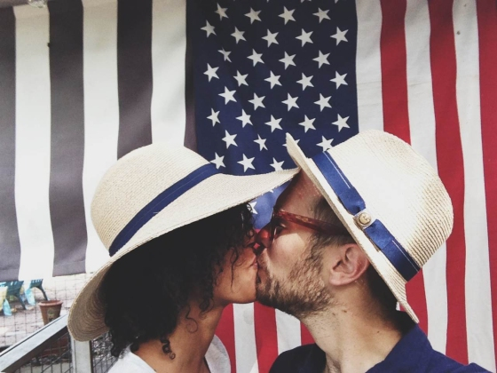 flag kisses